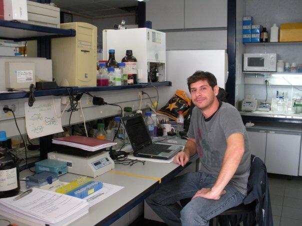 carlos correa 1 Bioterio de Serpientes: Producción de venenos para investigación y desarrollo de antisueros. . Ponencia de Carlos Correa Netto